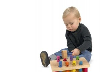 VSTAVLJANKE MELISSA AND DOUG Skakajoče tolkalo, Melissa and Doug 14490